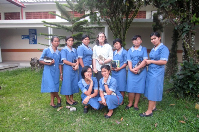 Visiting the hospital in Balige, North Sumatra, Indonesia with the students.