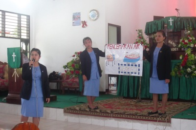 Presenting about the environment.