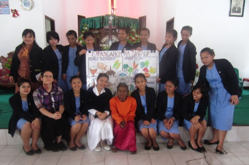 The group of students.