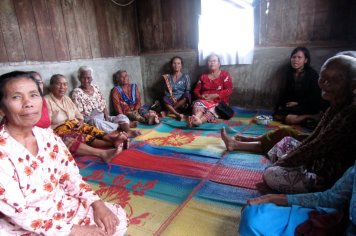 Sunday devotion with elderly group, village of Marihat Tiga, North Sumatra, Indonesia. May 2012.
