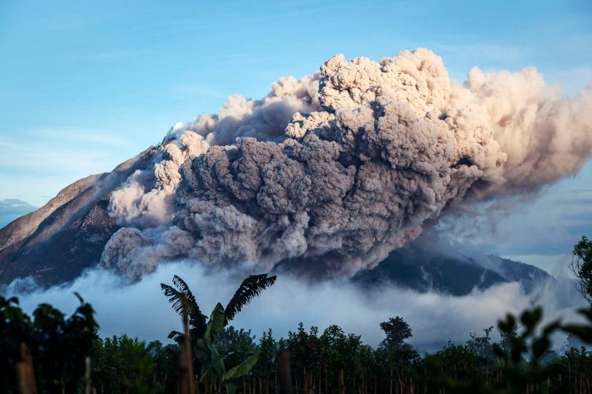 Continued Eruptions on Mt. Sinabung in NorthSumatra