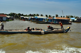 Scene on the Tonle Sap lake, speed boat between Siem Reap and Phnom Penh, Cambodia
